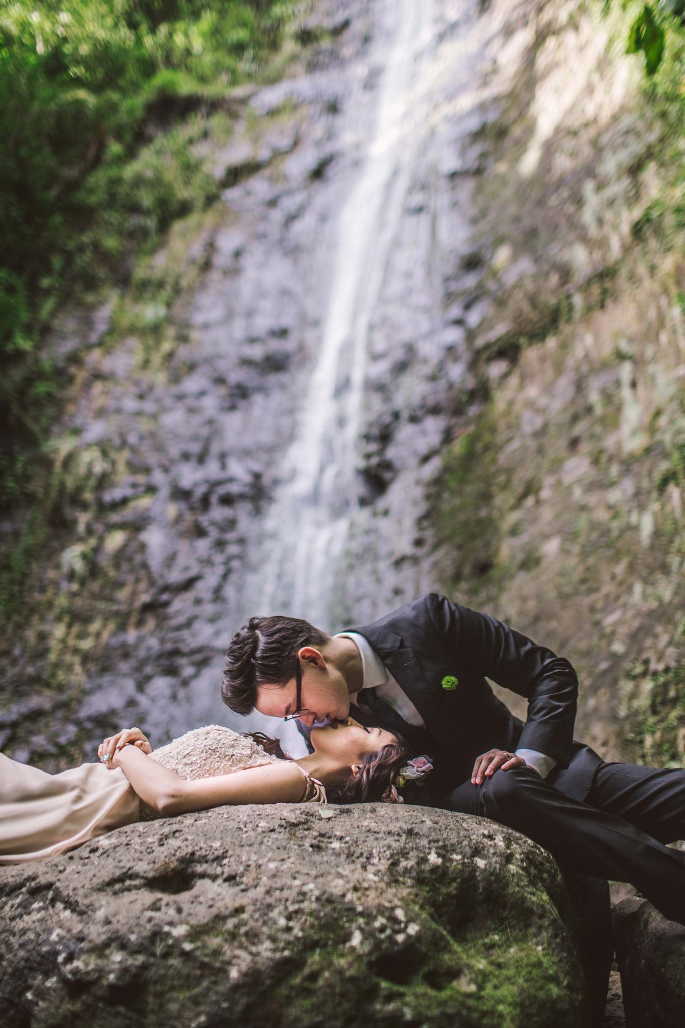 hawaii waterfall engagement (8)